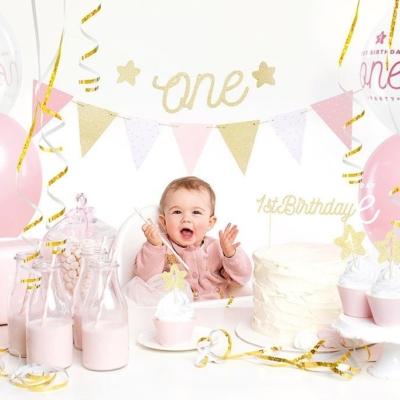 Prvi rođendan devojčice